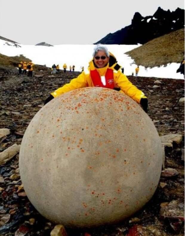 гладкие шары на острове Чампа