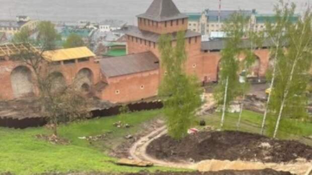 Глеб Никитин проверил ход благоустройства кремля иЧкаловской лестницы