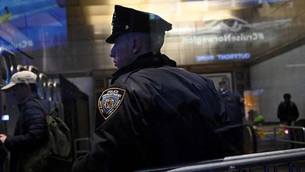 """Полиция задержала в Нью-Йорке водителя, бросившего """"коктейль Молотова"""""""