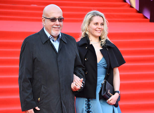 На фото: кинорежиссер Давид Шнейдеров с женой Викторией