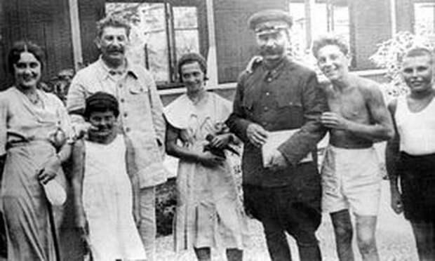 Неформальный Сталин. Каким был «Вождь народов» в окружении семьи и друзей?