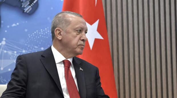 Разъяренный Реджеп Эрдоган проклял европейскую страну за поднятый флаг