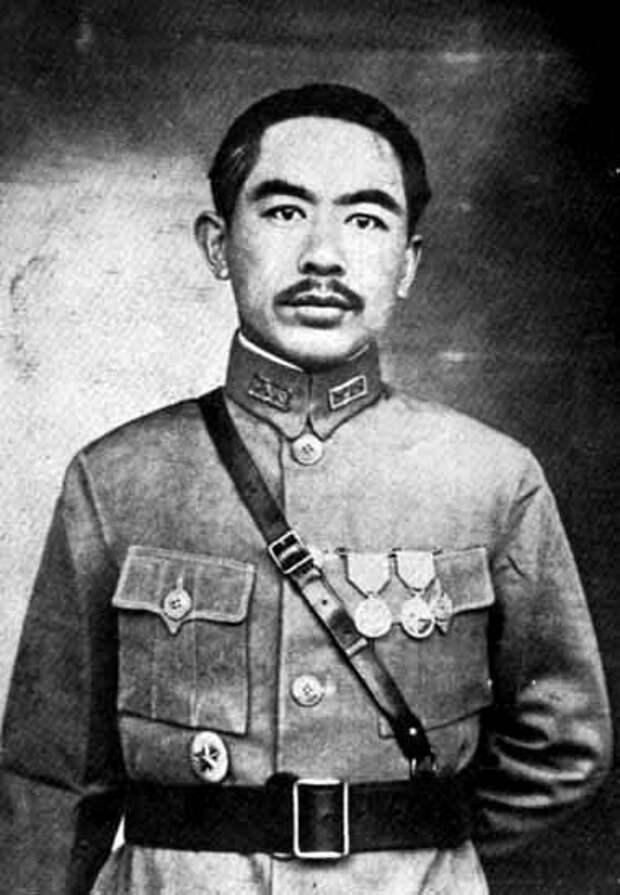 Борьба за Синьцзян. Оспан-батыр, казахский Робин Гуд