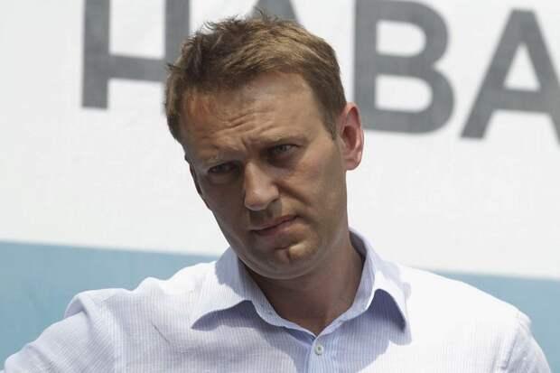 Навального вывели из комы и отключили от ИВЛ