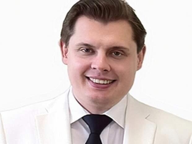 """Понасенков назвал телевидение """"зомбирующим"""" после похода к Урганту"""