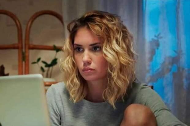 """Агата Муцениеце запускает новый YouTube-проект: """"Это шоу про мамочек"""""""