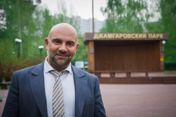 Журналист Баженов предложил повсеместно учить детей в школах экологии
