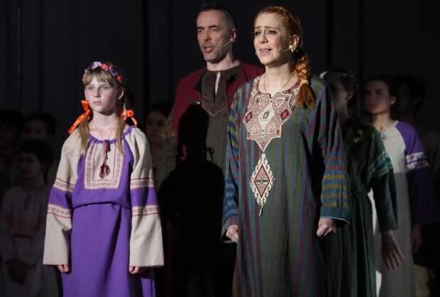 В театре на Руставели прошла премьера спектакля «Александр Невский»