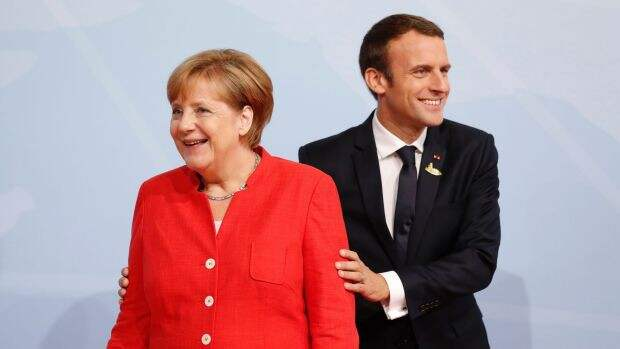 Меркель и Макрон обратились к Путину и Порошенко