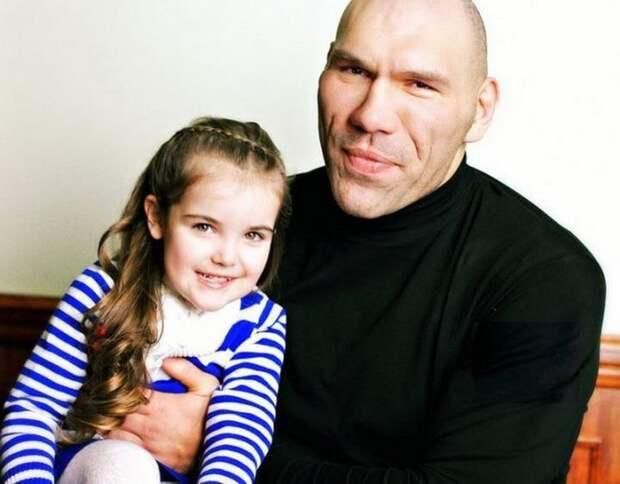 Красивые дочери знаменитых отцов