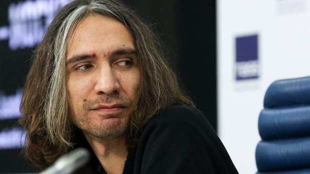 Сын Виктора Цоя подал в суд на Алексея Учителя и прокатчиков фильма «Цой»