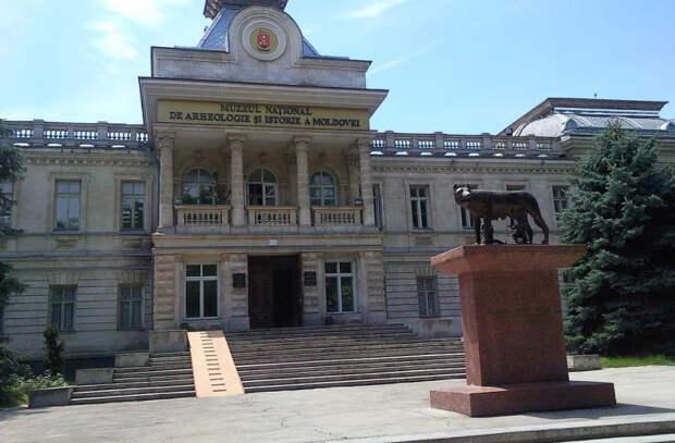 Сколько музеев в молдавской столице, и когда появился первый из них