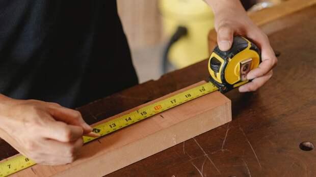 Мебельную фабрику обязали починить петербурженке шкаф и заплатить 600 тысяч рублей