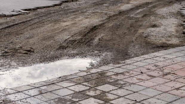 Еще год бездорожья: Ростовской области недали денег наремонт дорог
