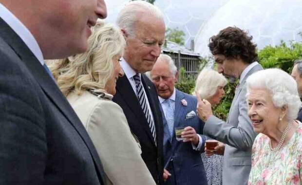 Байден нарушил королевский протокол на саммите G7 в Британии