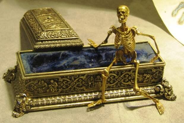 Одесская афера века с продажей подделки «Тиары Сайтаферна» в музей Лувра
