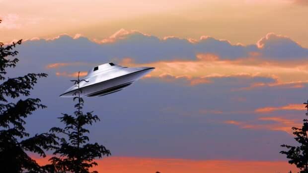 Уфолог Валерий Уваров объяснил интерес НЛО к глубинам океана