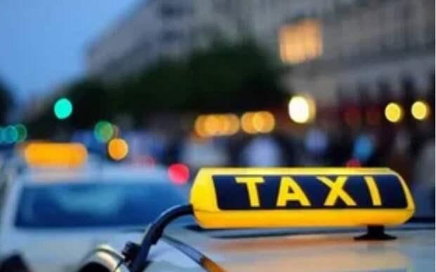 Мошенники обманули саратовского таксиста и рыбака