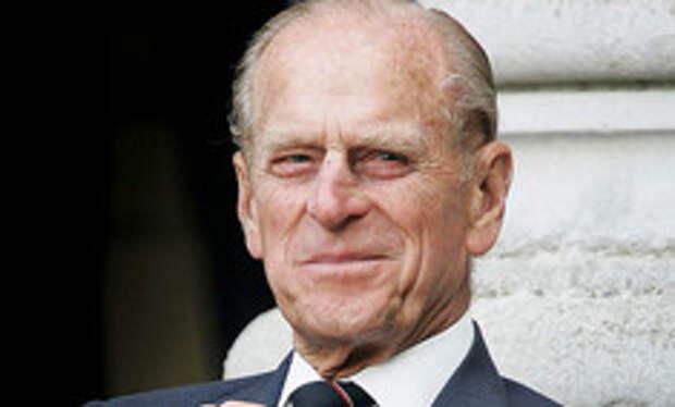 Из-за завещания принца Филиппа королевскую семью заподозрили в мошенничестве