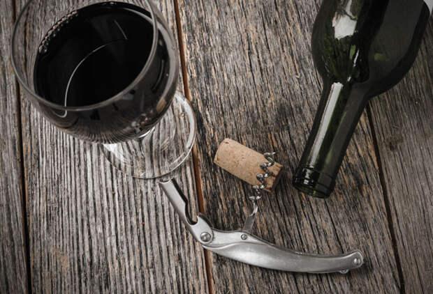 Почему от вина болит голова