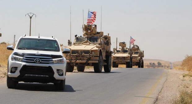 США вывезли из Сирии колонну грузовиков с краденой нефтью и зерном