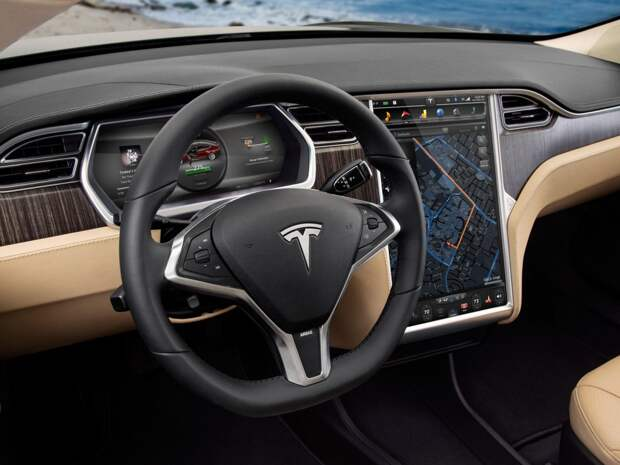 ВСШАразбился управляемый роботом автомобиль Tesla: всепассажиры погибли