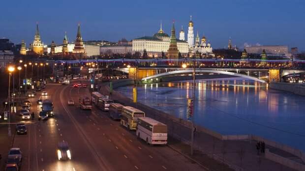 МЧС Москвы объявило желтый уровень опасности в городе из-за ветра 20 апреля