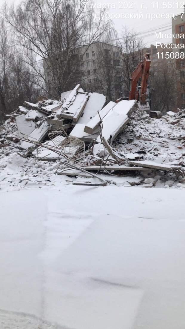 Демонтаж старого детского сада начался в Дубровском проезде