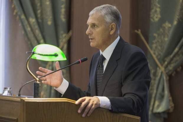 Экс-главу Сахалинской области Хорошавина обвинили во взяточничестве