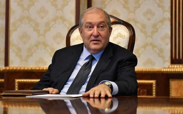 Президент Армении требует от правительства реакции на события в Гадрутском районе