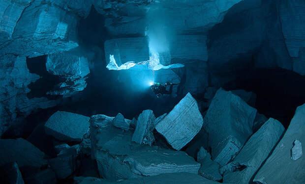 В глубине океана нашли области, где вода не двигается уже несколько тысяч лет