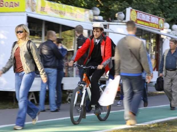 В День без автомобиля в Москве можно бесплатно покататься на велосипеде