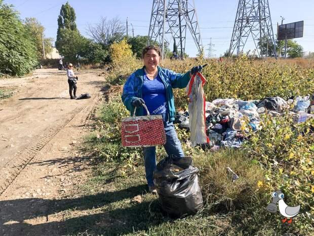 «Севсвалки» убрались на самом замусоренном участке Севастополя