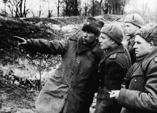 Генерал-майор Рахимов на позиции