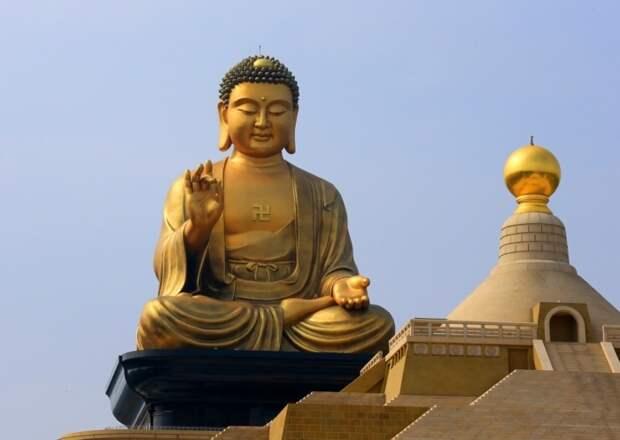 Гигантская статуя Будды в Гаосюне, Тайвань