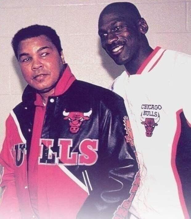 20. Мухаммед Али и Майкл Джордан сфотографировались вместе в 1992 году
