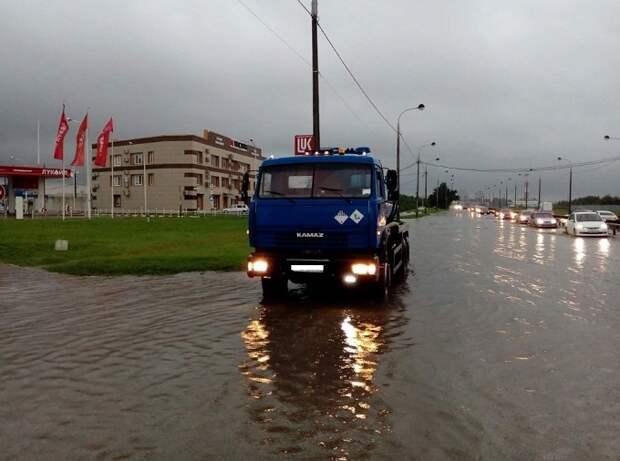 В Краснодаре ликвидируют подтопления улиц