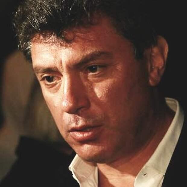 В мэрии Москвы намерены демонтировать мемориальную доску Немцову