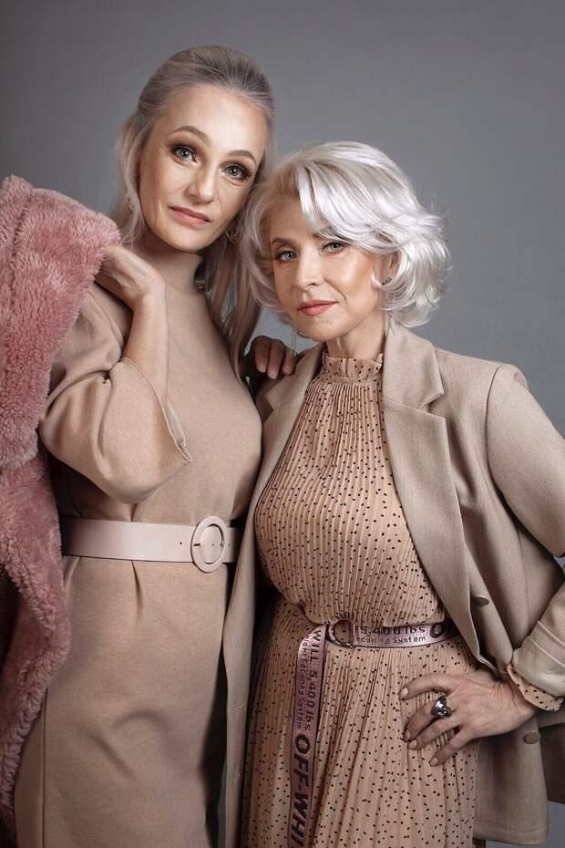 «С разводом я обрела крылья»: история модели 55+, которая потеснила молодых красоток с модных обложек