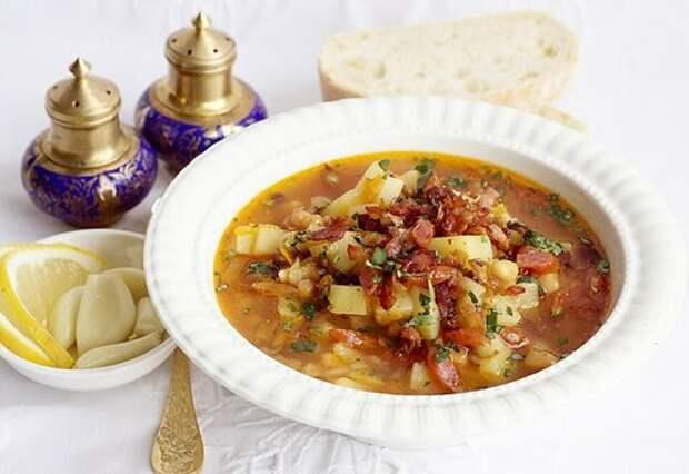 ДЕНЬ ПЕРВОГО БЛЮДА. Согревающий чечевичный суп c польскими колбасками