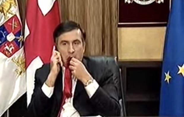 Саакашвили признался, зачем жевал галстук в эфире