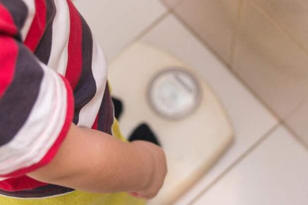 ВОЗ заявила, что пандемические ограничения приводят кдетскому ожирению: Новости ➕1, 11.05.2021