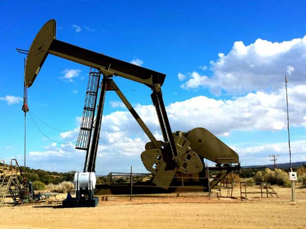 Нефть прибавляет в цене, Brent движется к $67 за баррель