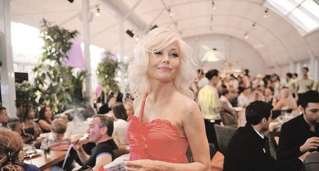 Елена Корикова вышла замуж за чиновника и живет на вилле в Черногории