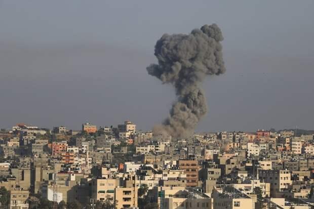 От горящего автобуса до разрушенных домов: последствия ракетных обстрелов в Израиле