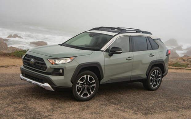 Светит, но не очень: тесты на безопасность нового Toyota RAV4