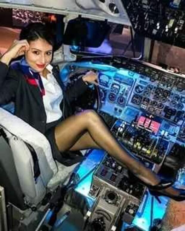 Ножки стюардесс. Подборка chert-poberi-styuardessy-chert-poberi-styuardessy-57310504012021-2 картинка chert-poberi-styuardessy-57310504012021-2