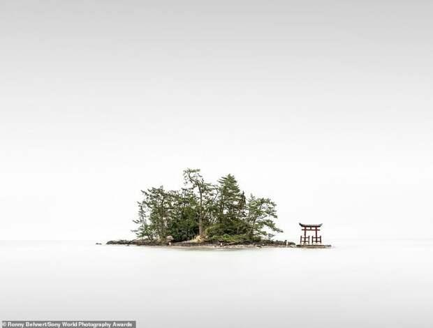 Японский храм Бентендзима - Ронни Бенерт, Германия