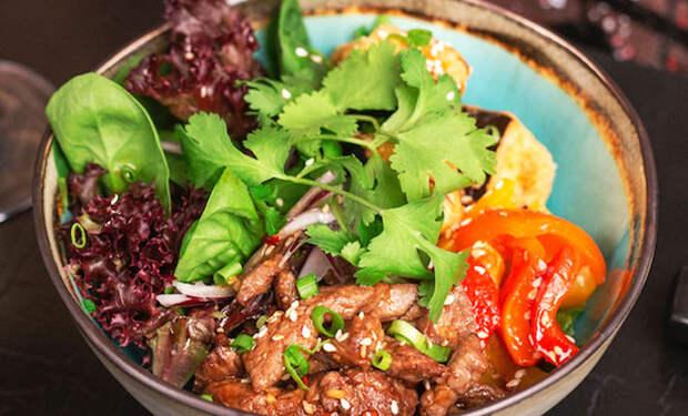 Салат с мясом вкуснее второго: рецепт подсмотрели у въетнамца