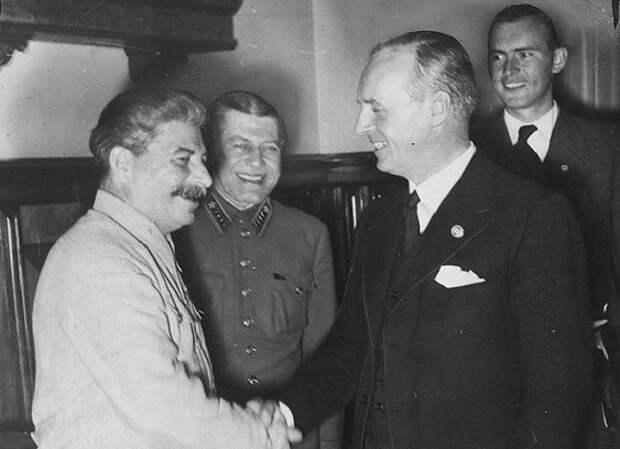 «Я убью его ручкой»: зачем Риббентроп хотел встретится со Сталиным